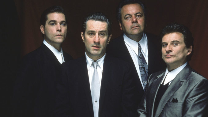 American | The 15 Best Gangster Movies of The 1990s | Taste Of Cinema